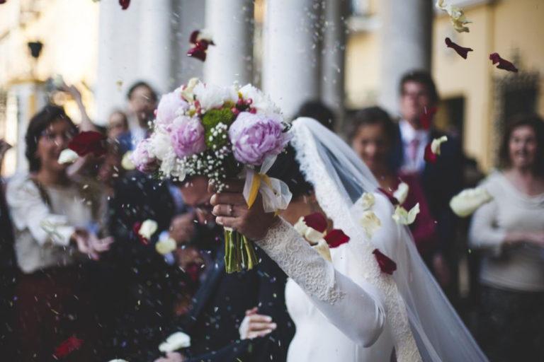 Filmer un mariage : les avantages et les contraintes.